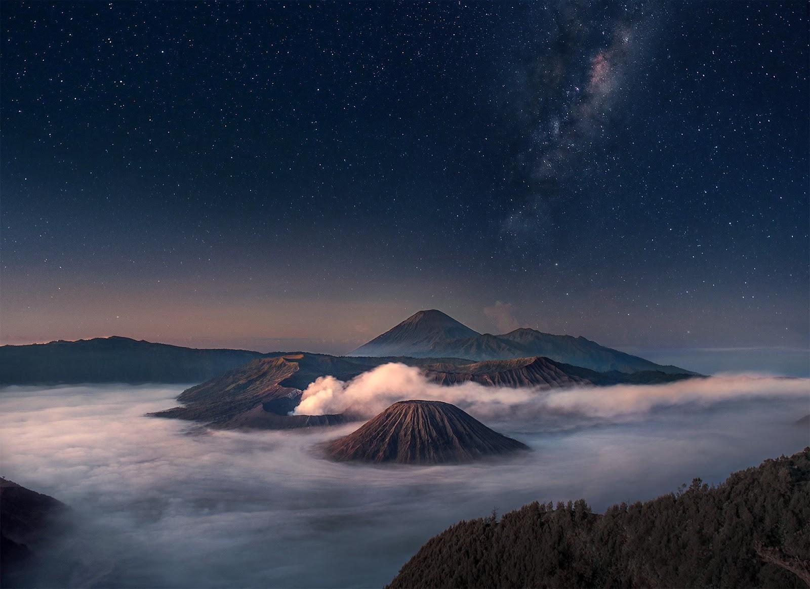 Pemandangan Alam Malam Hari Gunung Bromo