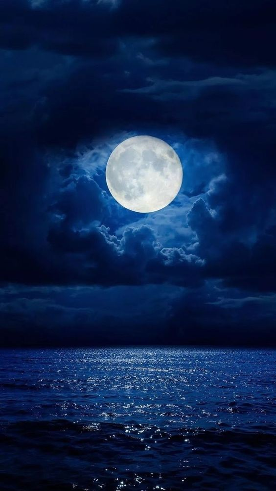 Blue Moon Wallpaper Aestetik