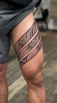 Tato Tribal di Paha Laki